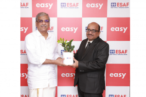 L-R (Mr. Paul Thomas, MD of ESAF Bank and Mr. Praveen Agrawal, CEO of Easy) (2)