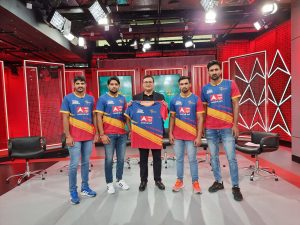 Mr Avinash Pandey with UP Yoddha Jersey & Players